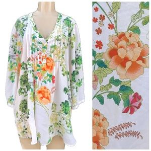 Beautiful Floral blouse new with tags